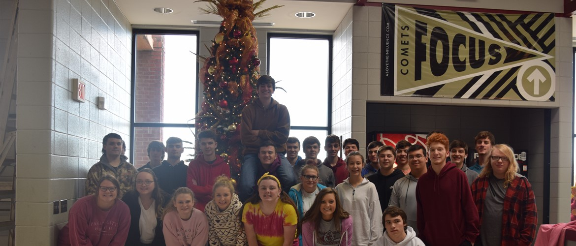 CCHS Class of 2020 after decorating the Christmas tree.