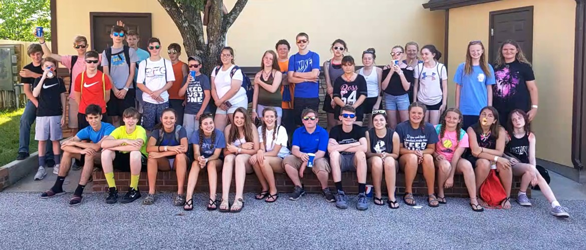 CCMS 8th Grade Trip to Holiday World and Splashin' Safari - 5/11/18